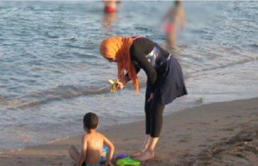 Savjet za muslimane po pitanju odlaska na more i 'halal' plaže … gdje idu pokrivene muslimanke: (Video)