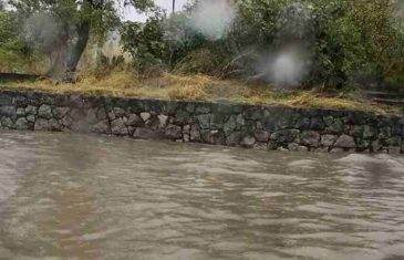 HAOS U REGIONU: Jaka kiša poplavila grad, dio građana nema struje!