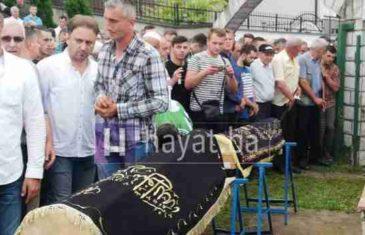 Klanjana dženaza Almiru Brkiću, njegovoj supruzi Lamiji i kćerkici Fatimi: 'Sin Bilal je ostao svima nama u amanet…'