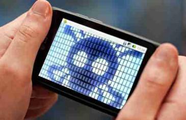 (VIDEO) ZNACI DA VAS VAŠ TELEFON ŠPIJUNIRA: Odmah izvadite bateriju ako vam se ovo dešava…