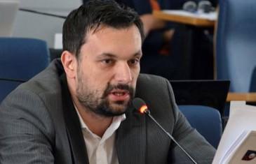 Konaković objavio podatke iz Poreske uprave FBiH: Skandalozne plate direktora javnih ustanova u KS