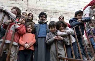 """Trosobna kuća """"tijesna"""" za braću iz Sirije, njihove supruge i 45 djece (FOTO)"""