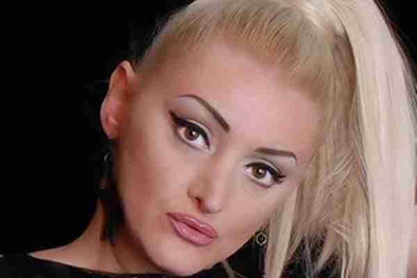 NAKON SKANDALA SA TRAŽENJEM NOVCA ZA BOLESNU DJEVOJČICU: Donna Ares odlučila da zatvori svoju fondaciju