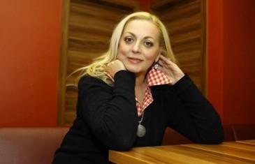 Ana Babić svakog ponedeljka nudi svoje usluge građanima KS