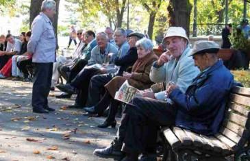 PRAVNA ANALIZA: Ima li vlast zaista pravo da oduzme slobodu kretanja mlađima od 18 i starijima od 65 godina