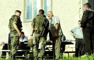 DOK GA JE TRAŽIO NATO: Karadžić navodno ordinirao po Rusiji, Austriji, Italiji, a ljetovao na Čiovu