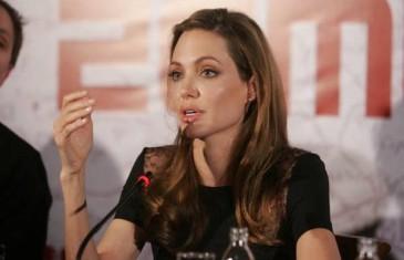 Skinula se Angelina Jolie: Ovo izdanje se ne propušta! I ne samo to, u velikoj ispovijesti ogolila i dušu…