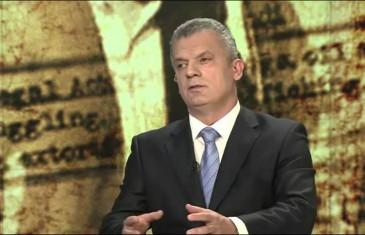 """FAHRO KOD SENADA; RADONČIĆ NA """"FEJSU"""": """"Bakir i Seka večeraju sa Čovićem i njegovom ženom, a ja kad popijem kafu s njim…"""""""