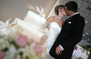 LAS VEGAS U KOMŠILUKU: Ovo je nova hit destinacija za sklapanje braka u regiji…