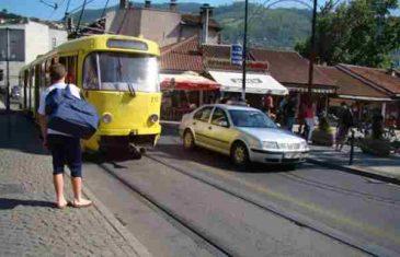 Mladić koji je pretučen na Baščaršiji: Čekao sam tramvaj, on je došao i počeo
