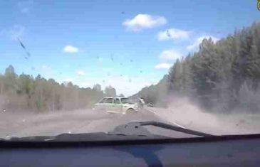 OPREZ! Najstrašnije saobraćajne nesreće u 2016. godini (VIDEO)