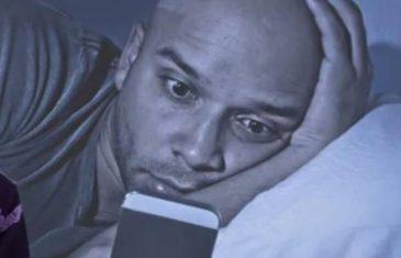 Oprez: Evo šta donosi gledanje u mobitel prije spavanja