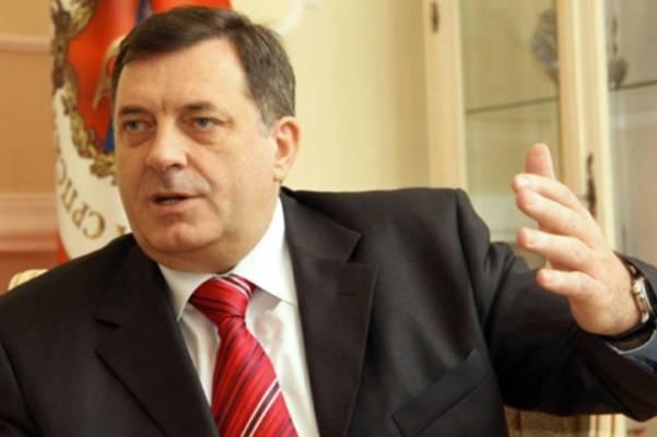 Milorade, podijelio si Srbe na patriote i izdajnike… Lojalnost kupuješ novcem, a šta ćeš kad ponestane para?