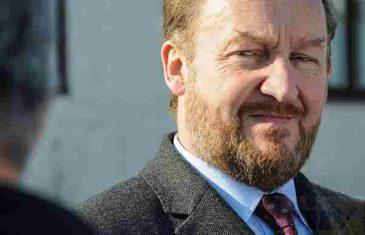 EVO KO JE KRIMINALCA BAKIRA IZETBEGOVIĆA OSTAVIO NA CJEDILU! Sputnik: Ambasadorka Francuske i ambasador Italije ne dozvoljavaju da se Dodik uhapsi!