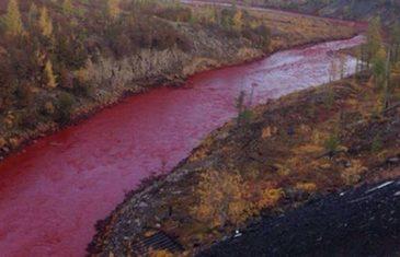 Rijeka preko noći postala crvena!