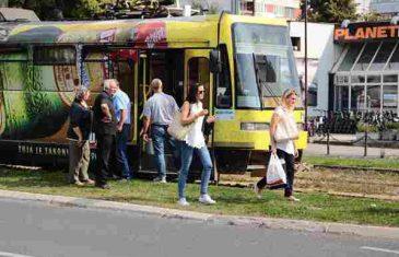 Sarajevo: Bačen suzavac u tramvaju, putnici panično istrčali vani
