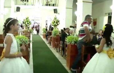 Slijedio mladenku i oca do oltara pa iz osvete počeo pucati na goste VIDEO