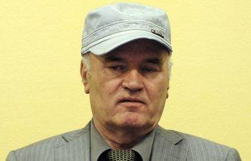 """ZLOČINAC IZ KALINOVIKA SLAVIO U HAAGU: Sin Ratka Mladića otkrio kako je njegov otac proslavio 29. """"rođendan"""" Republike Srpske"""
