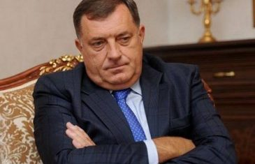 ZAOŠTRAVA SE SUKOB SA KORMAKOVOM Američka ambasada Dodiku PAKUJE ZATVOR
