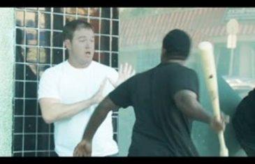 Navukao je na sebe bijeli čaršaf i otišao u najopasniju crnačku četvrt prepadati ljude.BOLJE DA NIJE(VIDEO)