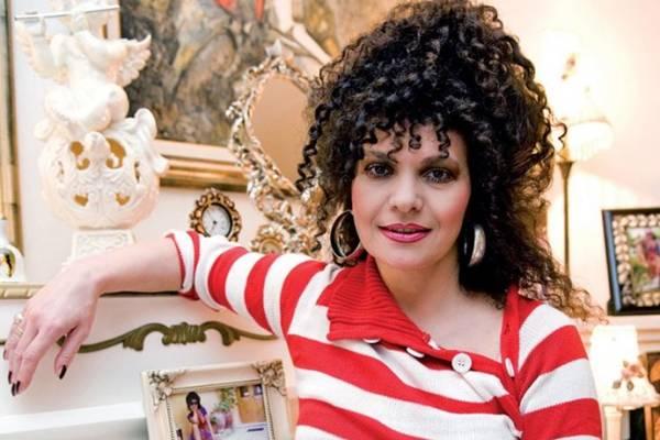 Glumica opet pokazala zmijsko tijelo: Lidija Vukićević preplanula kraj bazena, za nju godine ne važe…