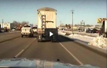 Policajac htio da zaustavi kamiondžiju, a onda uradio nešto što se viđa samo u filmovima!(VIDEO)
