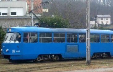 NAJJAČE ŠVERCOVANJE IKAD! Ovaj CAR je koristio tramvaj BEZ karte, kontrola mu nije mogla NIŠTA (VIDEO)