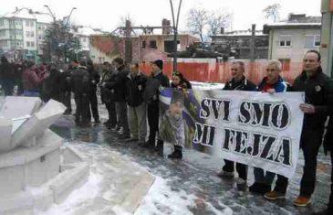 Demobilisani borci nakratko blokirali saobraćajnice u Srebreniku i Bugojnu, za sutra najavljeni novi protesti