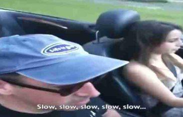 Ponosni tata snimao je kćerku kako po prvi put u svom životu vozi automobil. Ubrzo se pokajao…