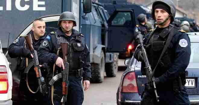 """NOVA DRAMA NA KOSOVU; POLICIJA POKRENULA """"ČELIČNI PRSTEN"""": Odjekuju RAFALI, bezglava jurnjava automobila…"""
