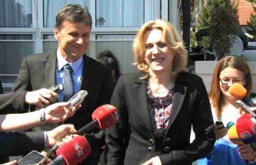 Novalić i Željka traže da se 1. Maj slavi skromno dok se oni ne vrate iz Dubaija