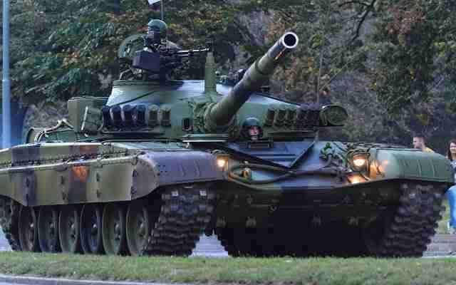 ŠTA SE DEŠAVA: Kolona srpskih tenkova krenula ka Kosovu? (VIDEO)