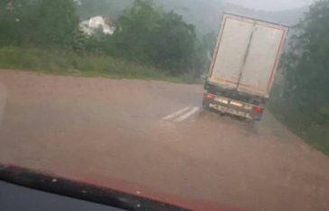 IZNENAĐENJE S NEBA: Krvava kiša zahvatila Bosnu i Hercegovinu…