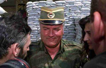 MNOGI SU ŠOKIRANI: Evo kako je u udžbenicima u RS-u predstavljen Ratko Mladić…