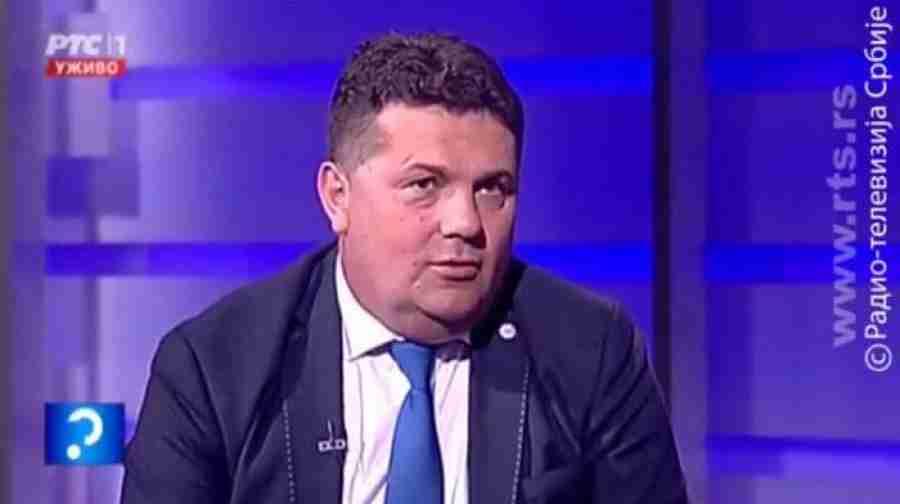 "SRAMOTAN NASLOV BEOGRADSKE ""POLITIKE"": ""Sarajevska vlast `protjeruje` i mrtve Srbe…""; IZA SVEGA STOJI NENAD STEVANDIĆ…"