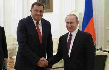 """Vladimir Putin uručio Miloradu Dodiku specijalno priznanje """"Josif Staljin"""" za uspješnu diktaturu"""