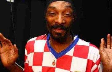 """Snoop Dogg u dresu Hrvatske navijao za """"Vatrene"""" i time izazvao lavinu komentara na društvenim mrežama"""