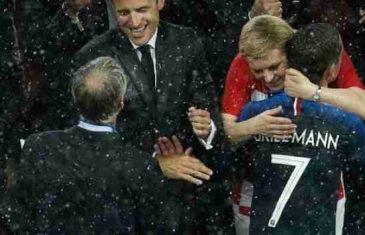 Je li predsjednica nakon finala 'ukrala show' Vatrenima? Da je barem ljubila i grlila samo hrvatske nogometaše, ali…