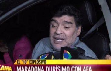 Potpuno razvaljen: Pogledajte u kakvom je stanju Maradona, ne može složiti niti jednu rečenicu…