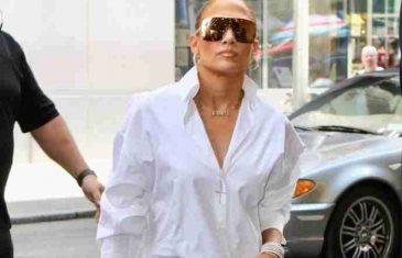 To smije samo ona: Jennifer Lopez New Yorkom prošetala bez hlača, SVI SU GLEDALI SAMO U OVO!