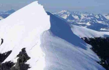 Haos zbog visokih temperatura: Otopio se ledenjak na planini Kebnekaise, voda se sliva na sve strane!