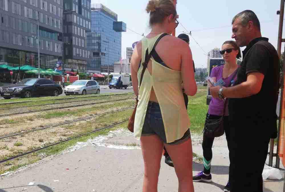 Revizori GRAS-a opet terorišu turiste: Kaznili Amerikanke jer nisu znale da se karta poništava!