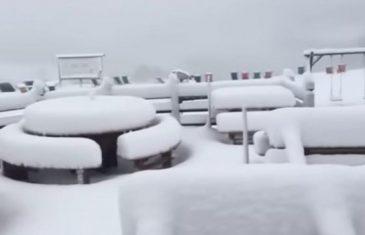 Zabijelile se Slovenija i Italija: Pao snijeg u augustu, očekuje se pola metra
