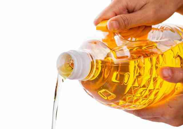 UPOZORENJE – Opasnost za koju ne znate: Jedete ovo smrtonosno ulje u raznim namirnicama
