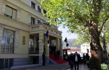 Komšić krenuo u prvu akciju: Zatvara ured člana Predsjedništva u Mostaru i pretvara ga u…