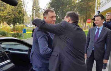 """VUKANOVIĆ RAZOTKRIVA NOVU BRUKU U DODIKOVIM REDOVIMA: """"Radovan klečao na koljenima pred Lukom, kumio ga i molio…"""""""