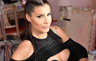 NASLIJEDILE LJEPOTU OD MAME: Mia Borisavljević je prava bomba, a tek da joj vidite sestru… NE ZNA SE KOJA JE LJEPŠA!