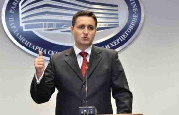 """DENIS BEĆIROVIĆ TRAŽI: """"Usvojiti hitno zakon o zabrani fašističkih organizacija u BiH"""""""
