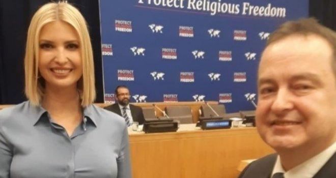 Ivanka Trump bez grudnjaka pored Ivice Dačića: Pogledajte zašto je ova slika postala hit u svijetu