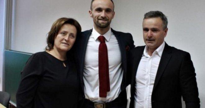 Emotivni Amel Tuka: Nije to džaba rečeno da ide majka, pa opet majka, majka i onda svi ostali…